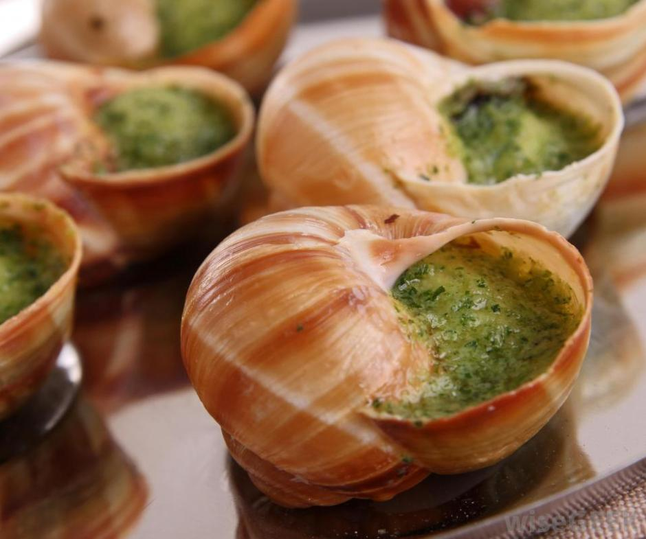escargot-on-a-plate