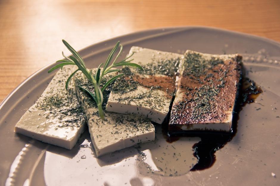 tofu-1478696_1920