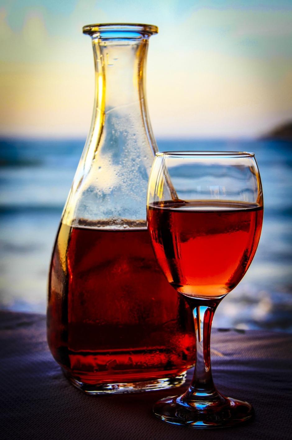 wine-1952680_1920